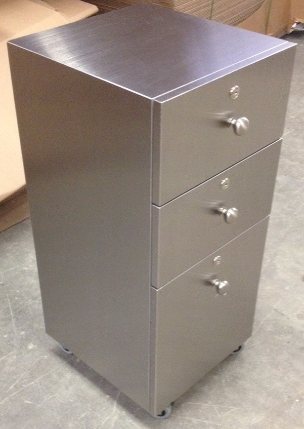 Alumasteel stainless carts design x mfg salon equipment for Design x salon furniture