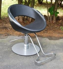 Igloo Styling Chair